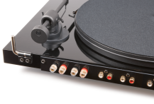 project-juke-box-e-turntable-black-detail-1024x684.png